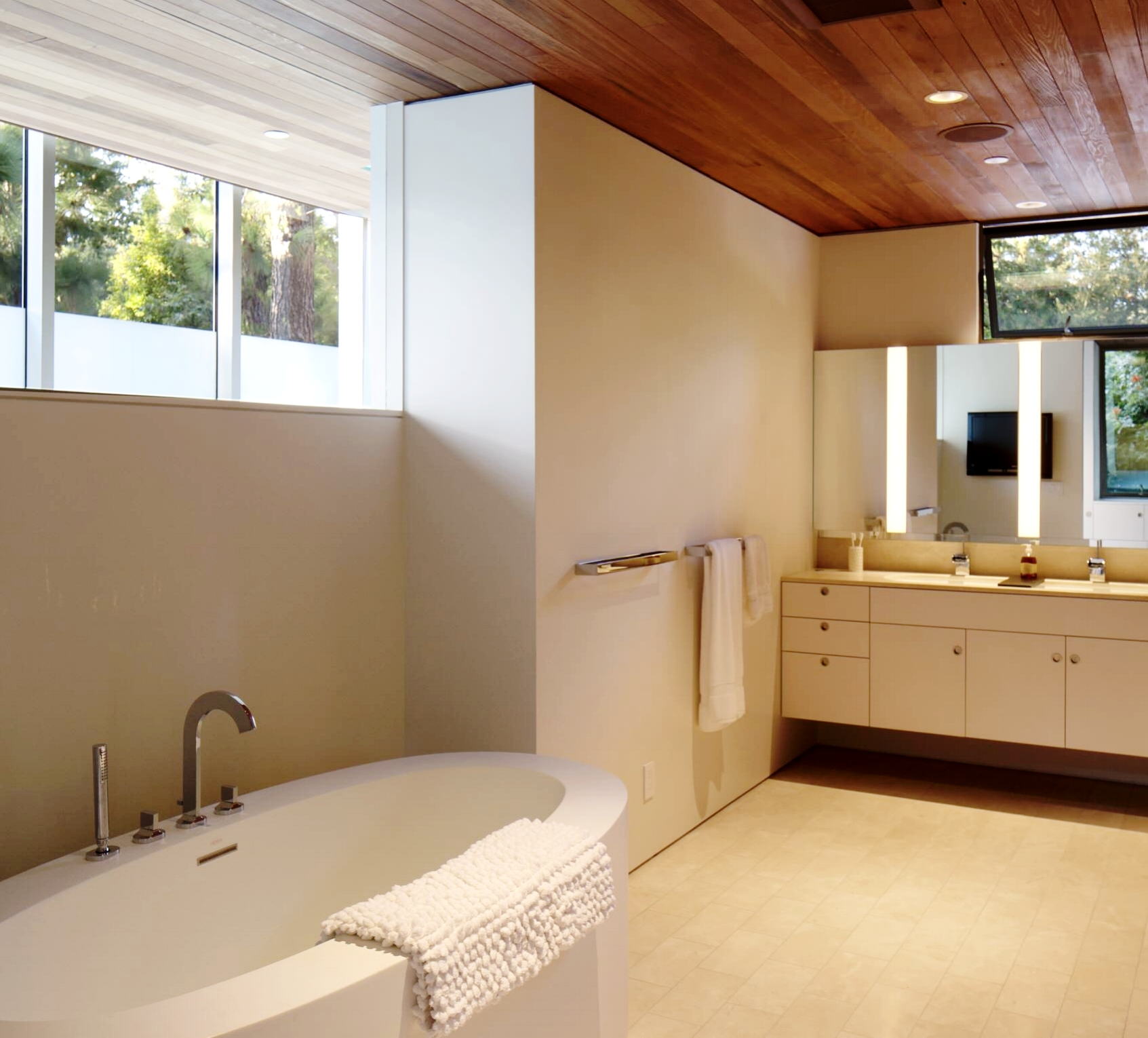 Brooktree | Santa Monica Contemporary Bathroom