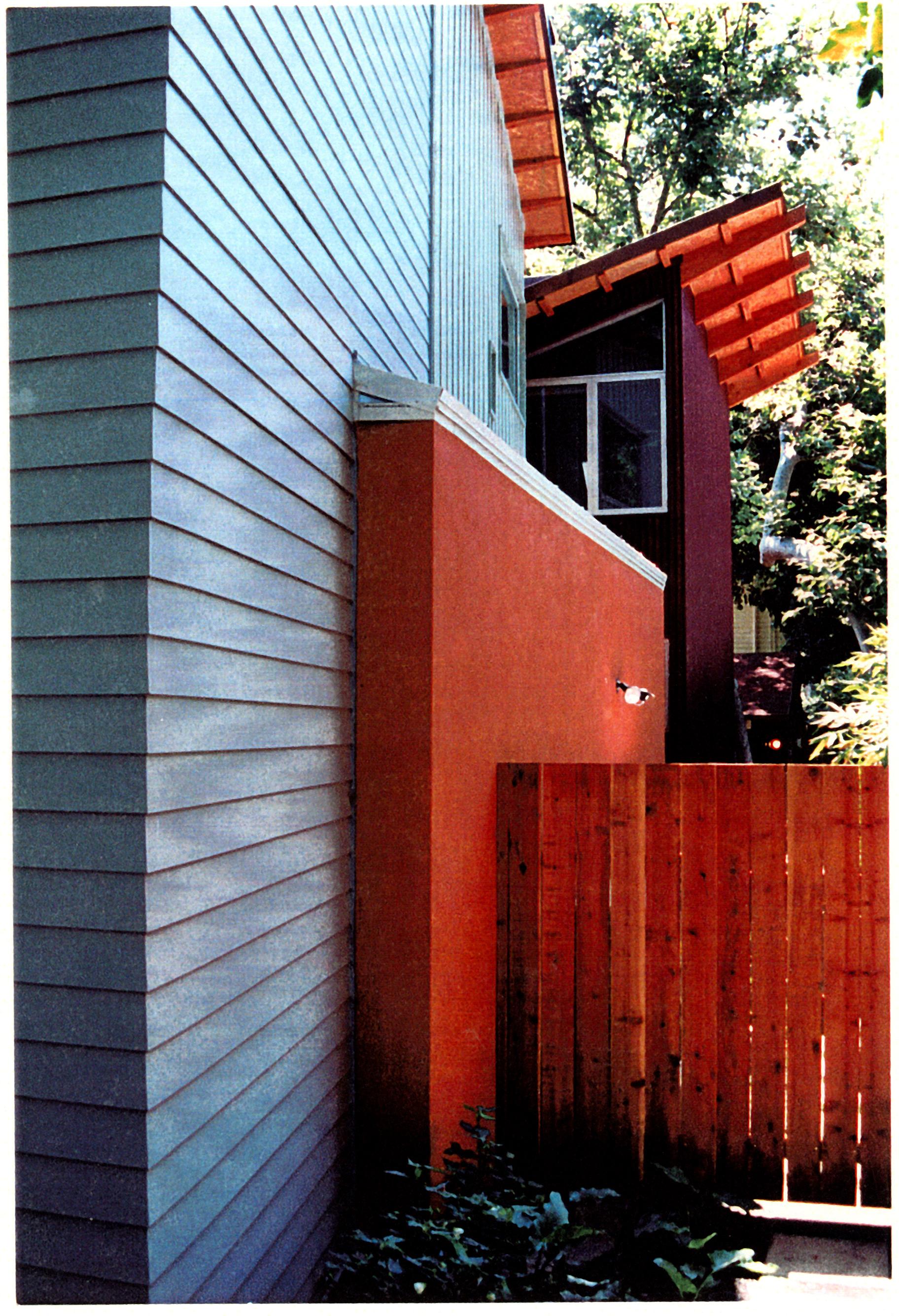 mandeville-exterior10.jpg