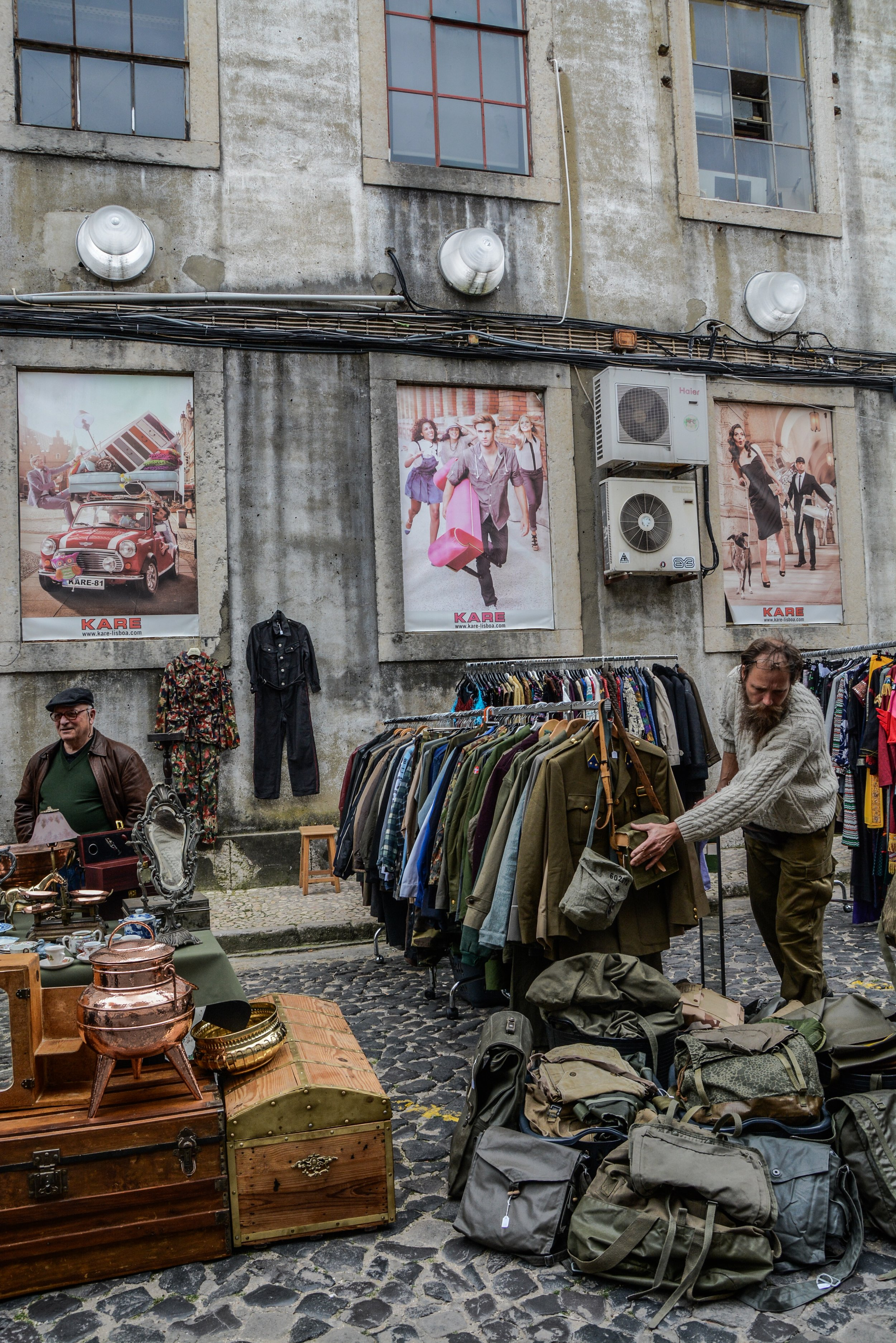 Buy second hand clothing as a sustainable choice