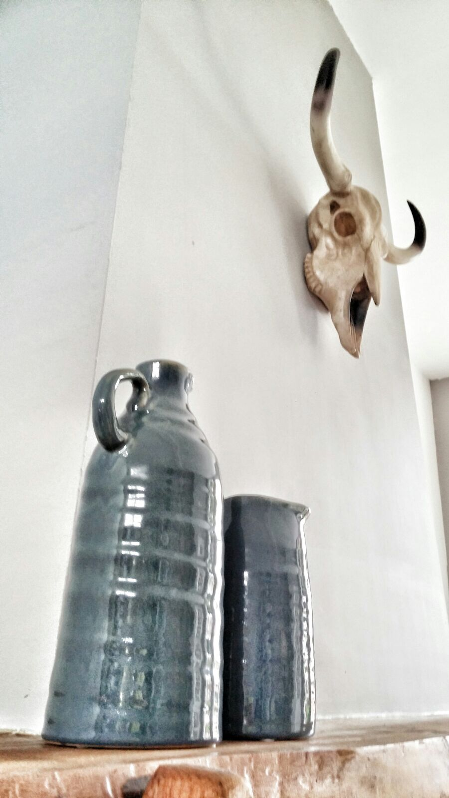 woonkamer interieurstyling industrieel stoer accessoires keramiek.jpg