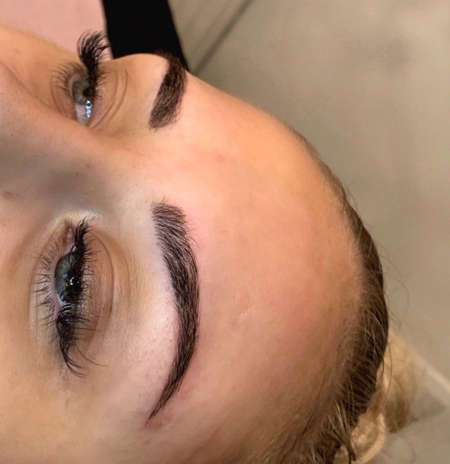 SINEAD BOTTLEY  Level 4 microblading specialist