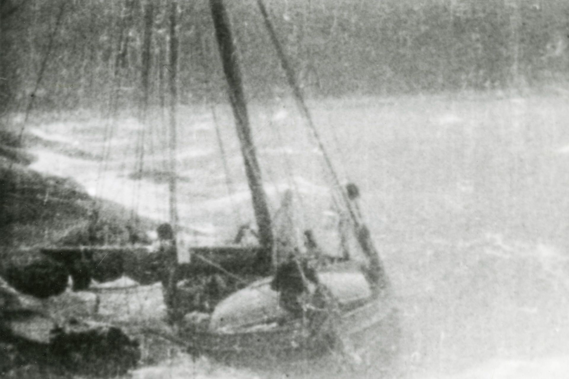 Direction  sinking in storm 1929