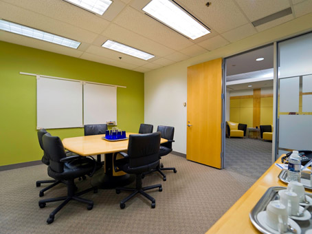 small table meeting room