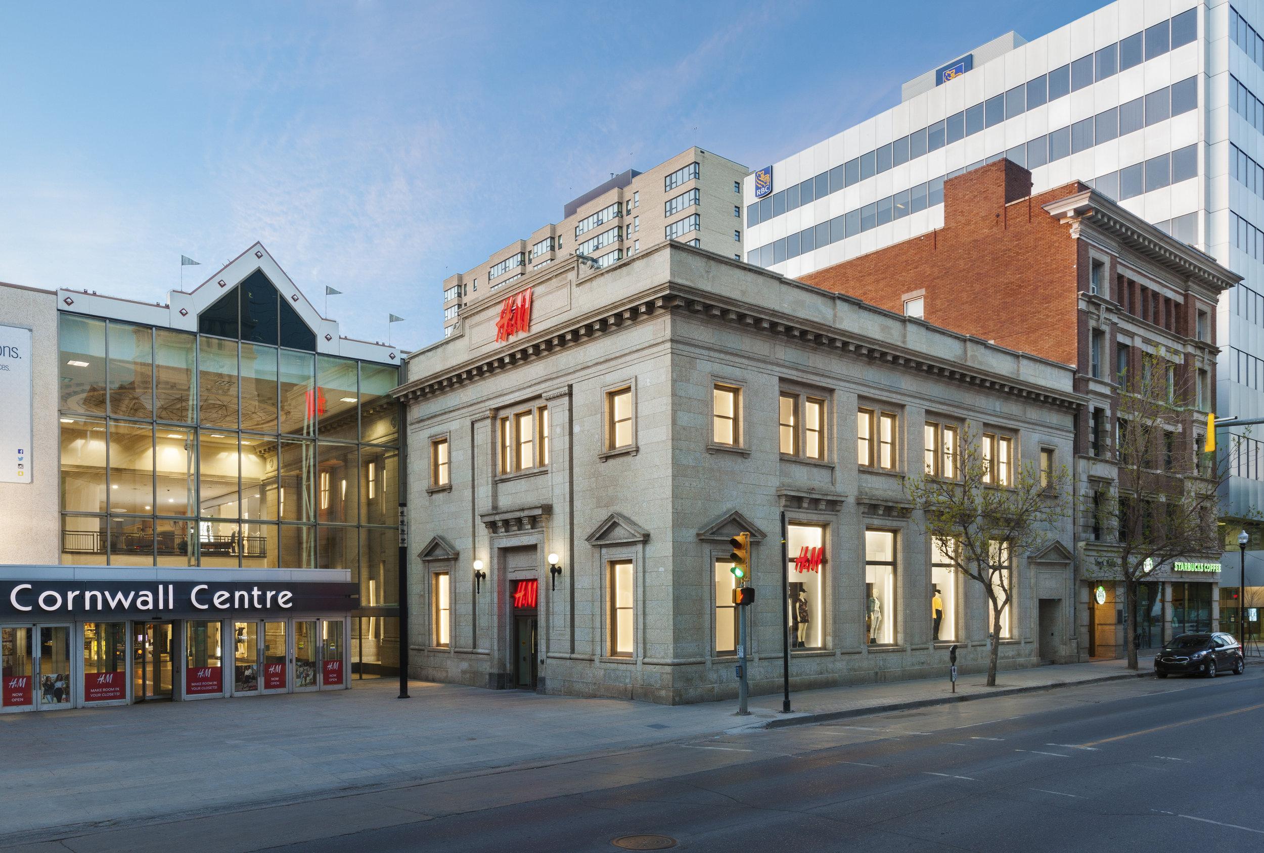 H & M - Regina, SK