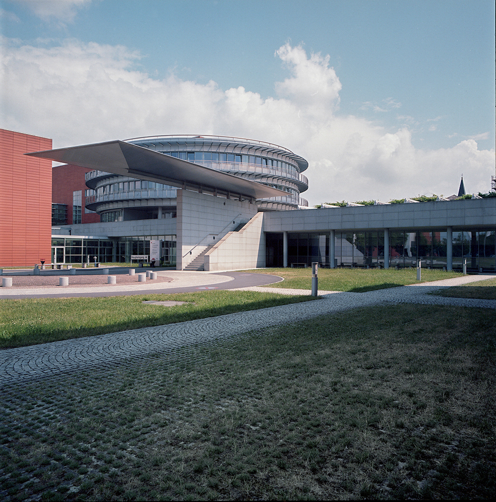 Regional Mental Hospital - Wagner-Jauregg   Wagner-Jauregg-Weg 15