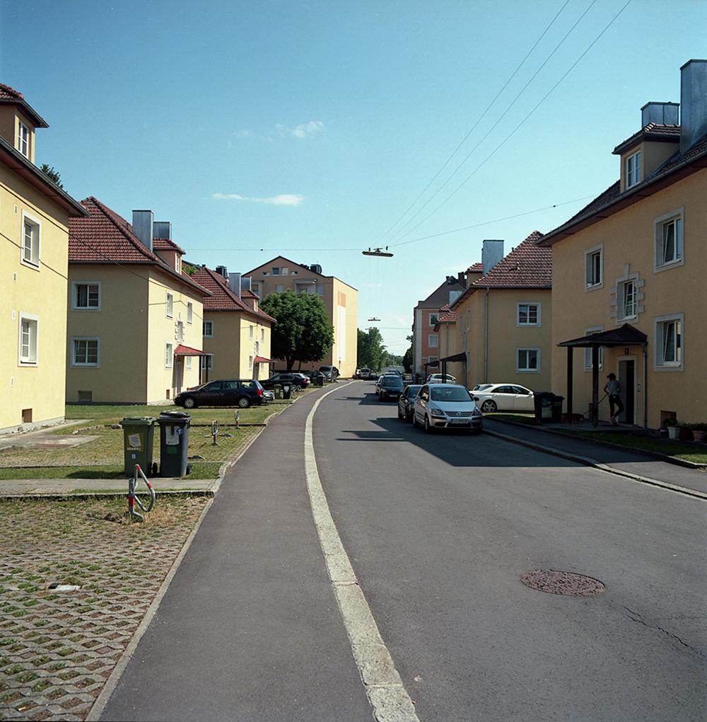 "Residential complex of craft makers from  ""little Munich""   (1938/1939)  Architect: Hans Arndt.  Hochwangerstraße 15-21"