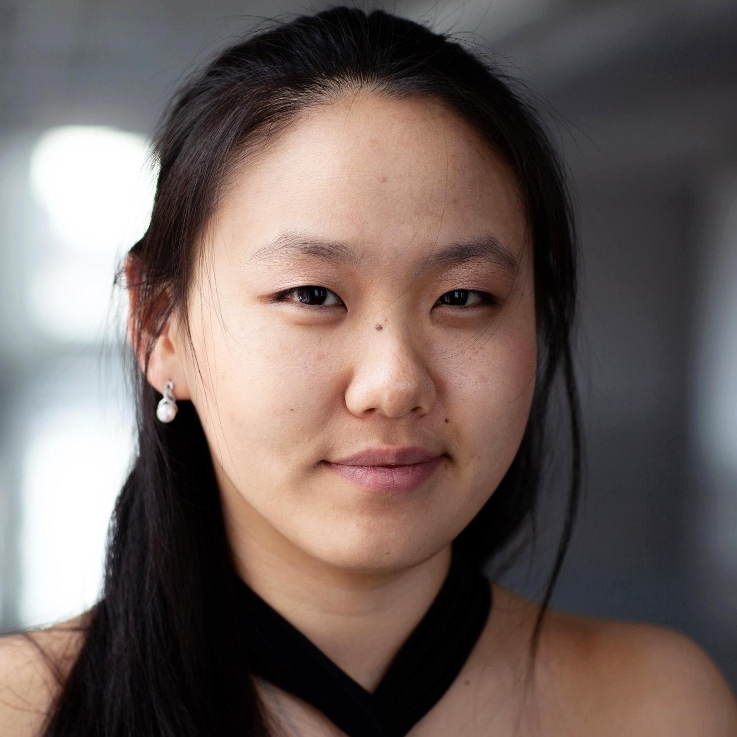 Stella Chen   Violin