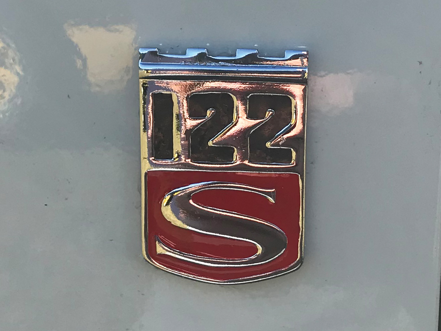 Volvo Amazon 122S Badge