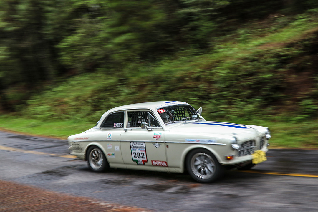 Racing up Mil Cumbres in La Carrera Panamericana stage 4