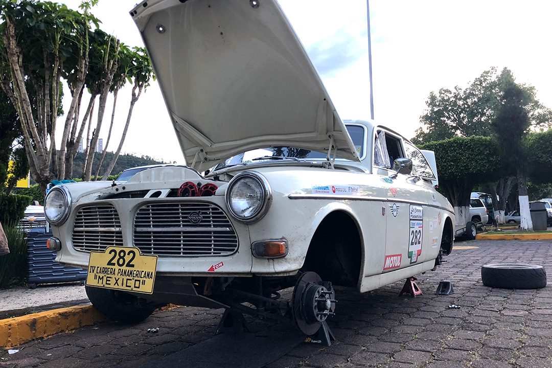 End of day service for our Volvo Amazon rally car.