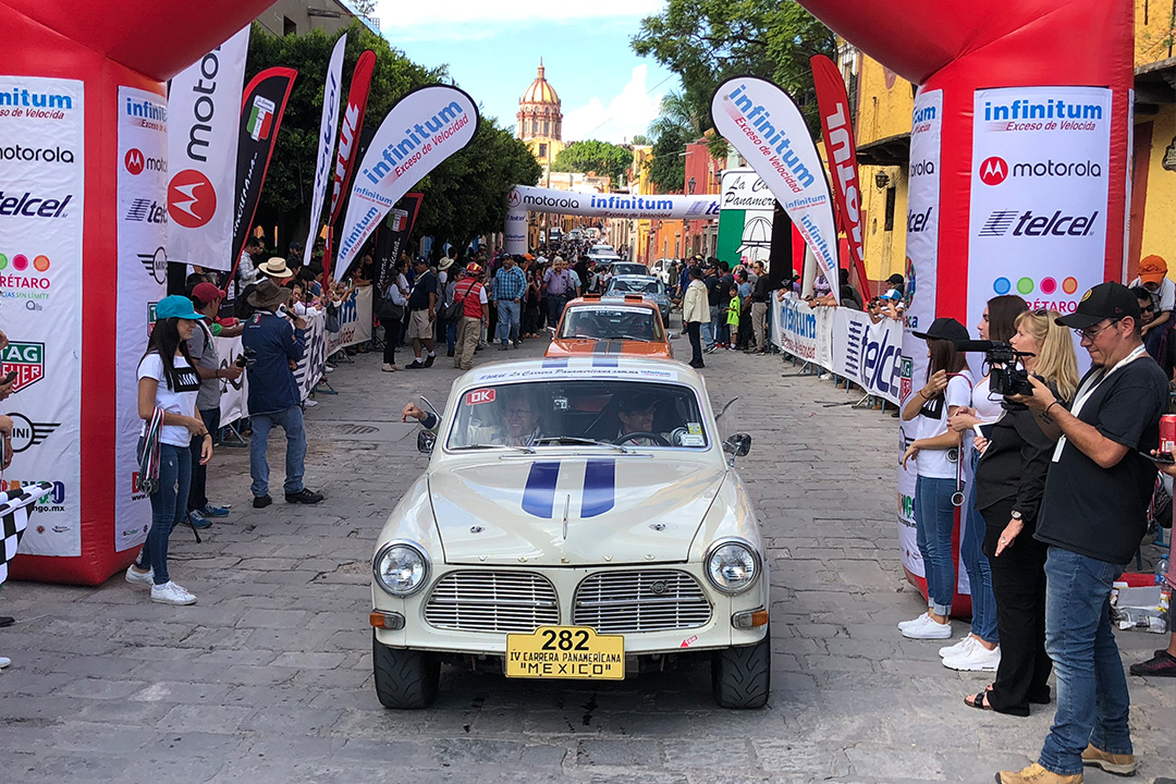 The finish arch of La Carrera stage 5 in San Miguel Allende