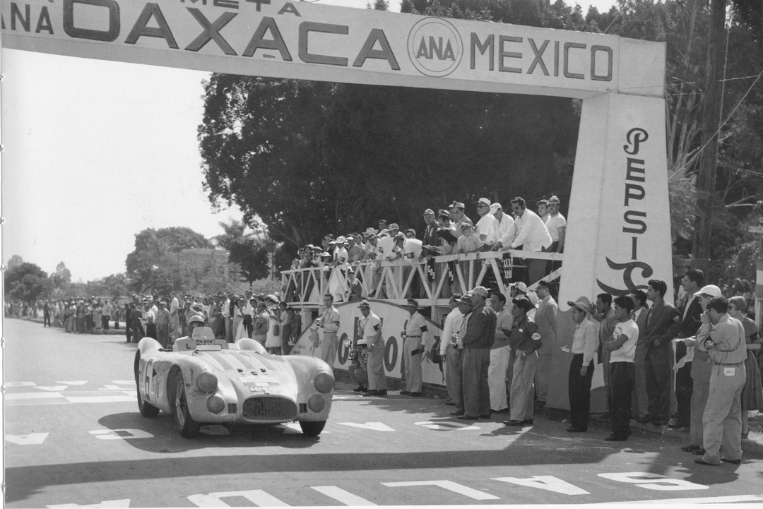 Gallery of the vintage Carrera Panamericana