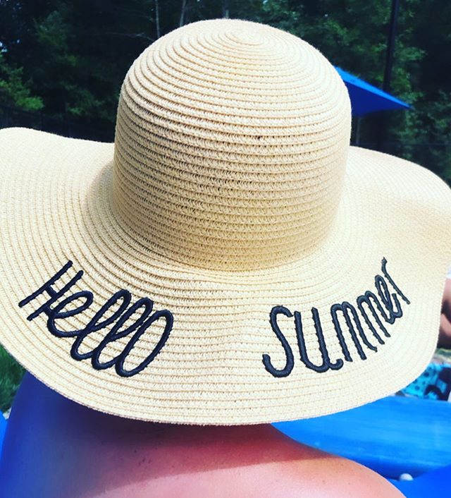 ☀️☀️☀️Hello Summer☀️☀️☀️ Happy Fri-YAY Friends!! So dang happy it's Friday! What a week it has been! I have some BIG news to share, but I can't share YET but will soon so stay tuned! ☀️ I hope your summer is full of laughter, fun, joy, adventures, pool time, beach walks and a few good books! ☀️ Cheers friends!! . . . . . . #summertime #summer #adventures #pooltime #beachday #beach #paleo #selfcare #instagood #rva