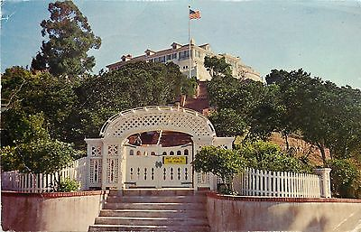 wrigley mansion.jpg