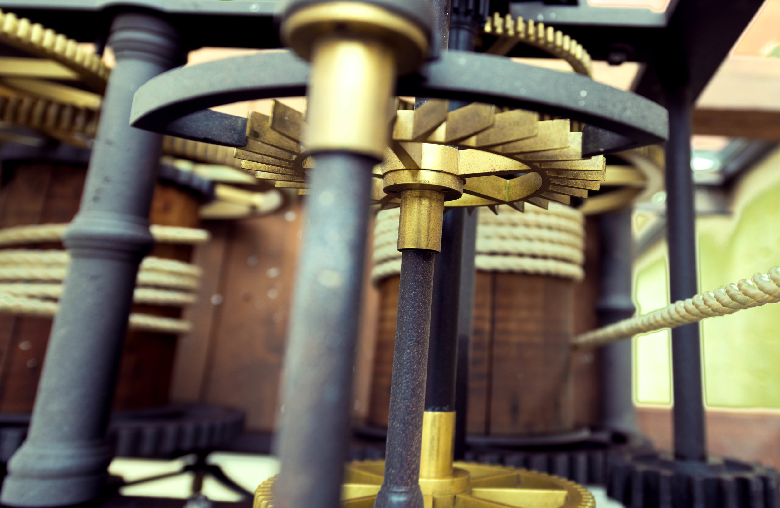 Clockworks - Gears, Rope, and Pulley