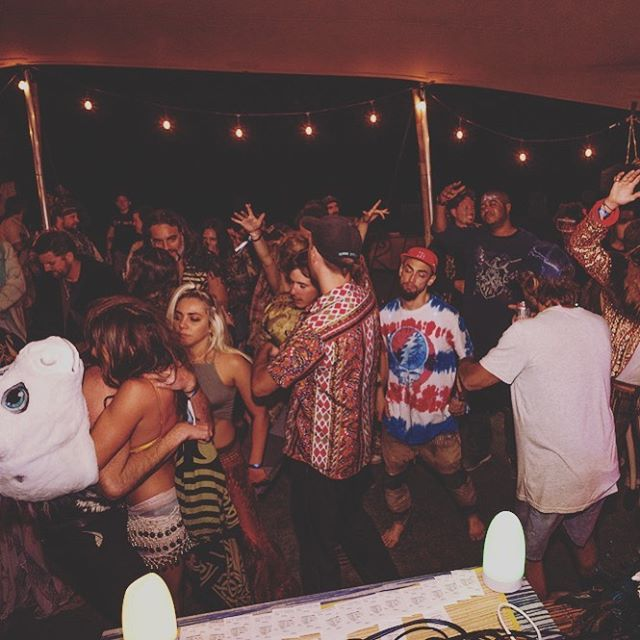 Late night at the Coconut Club 🎶 At 2am when you're ready to keep dancing we'll see you here #latenight #ssbdfest2019