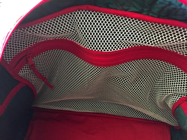 inside zippered mesh pocket