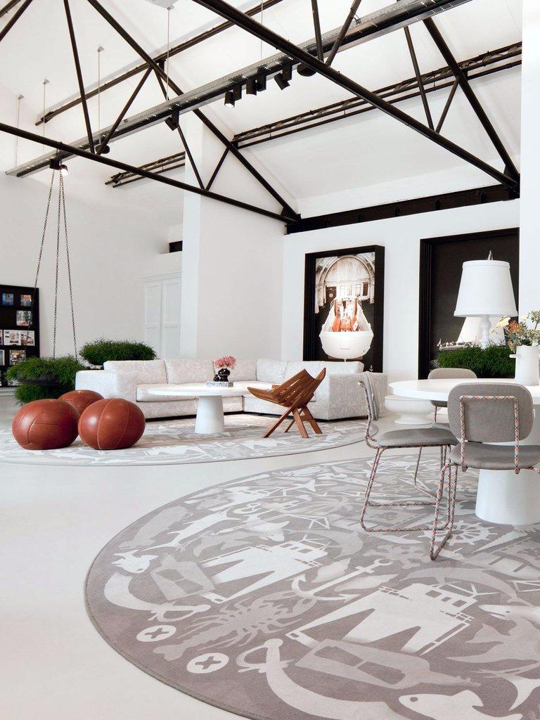 Moooi-Carpets-Firmship-Rug-by-Studio-Job-Roomset_1024x1024.jpg