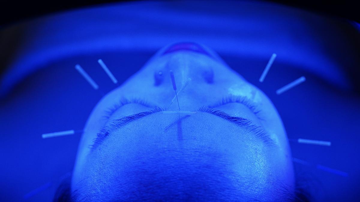 Emily_Grace_Acupuncture_LED_02.jpg