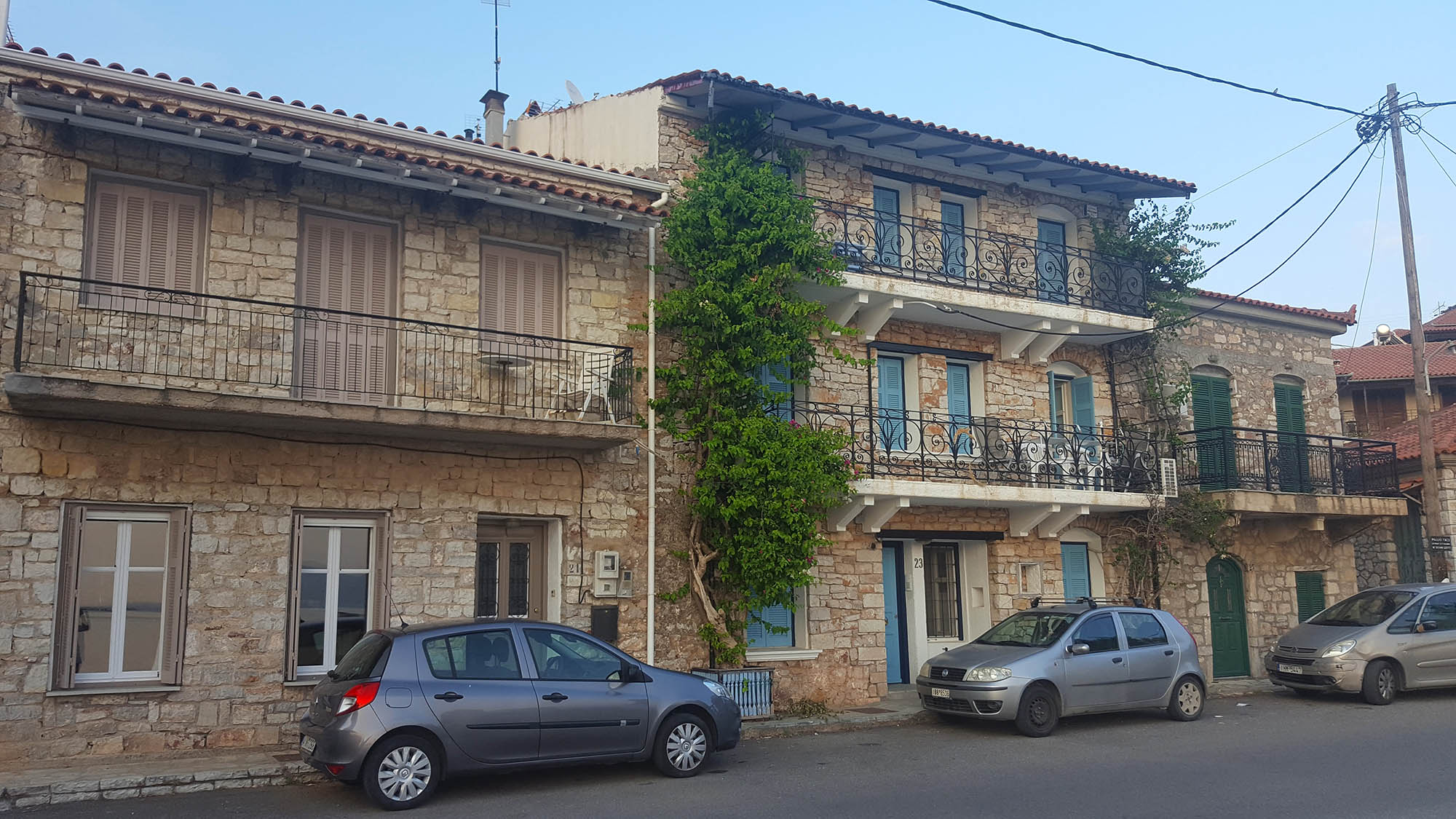 Monistiraki apartments.jpg