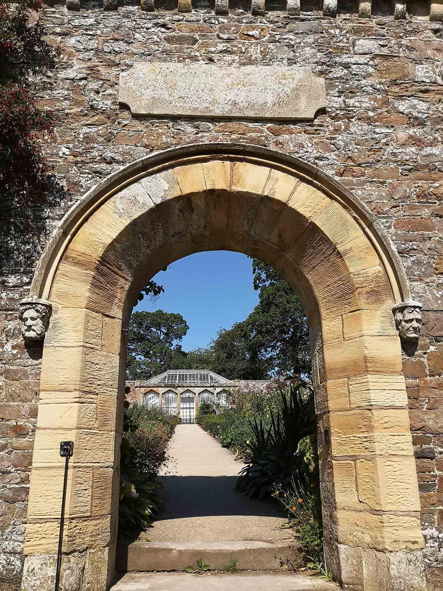 Abbotsford entrance to gardens.jpg
