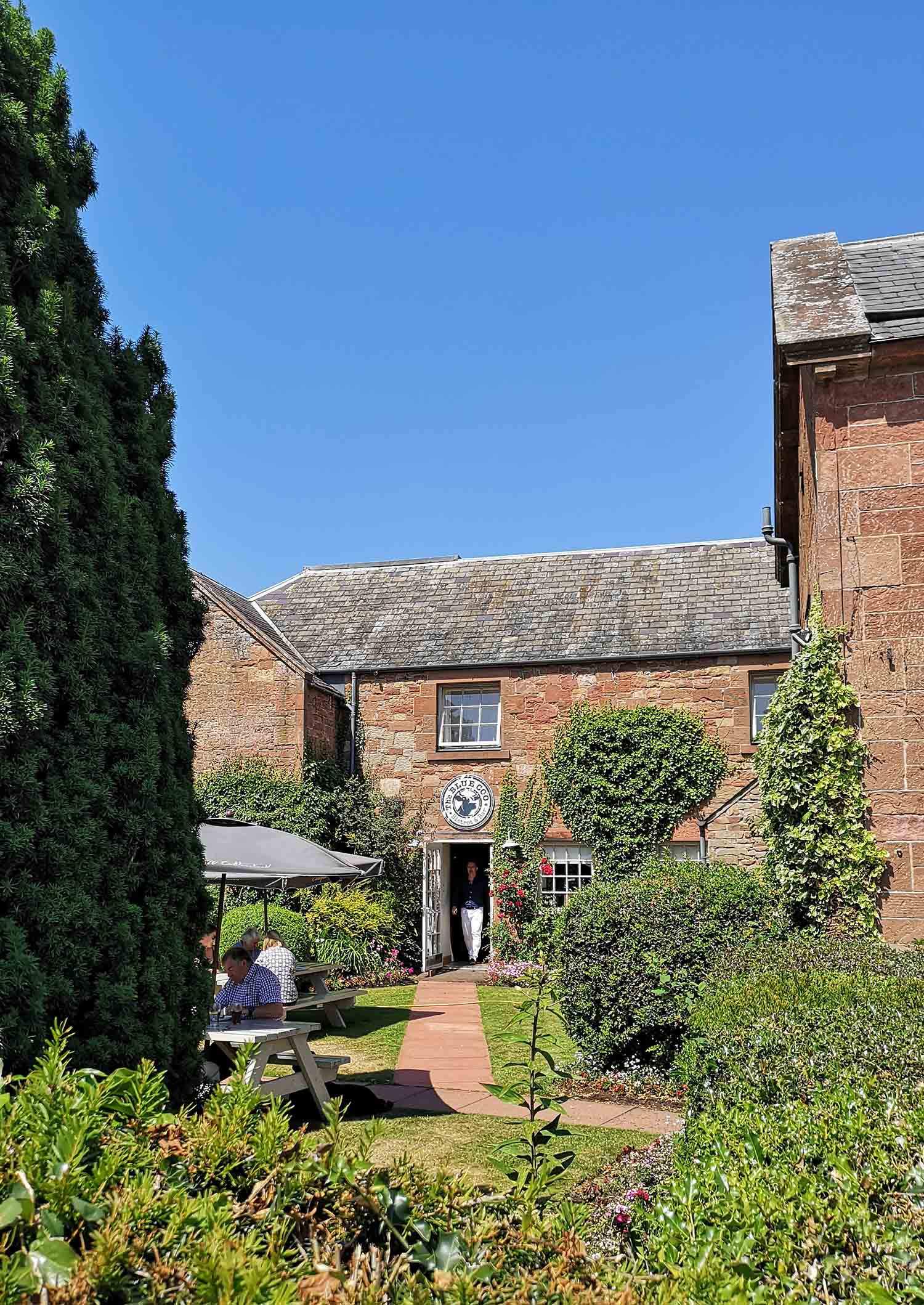 St Boswell's Buchanan Arms beer garden.jpg