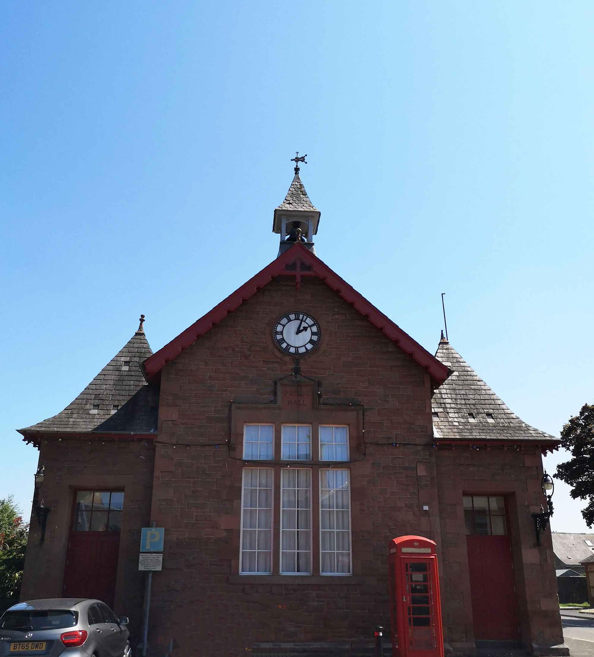 St Boswell's Town hall.jpg