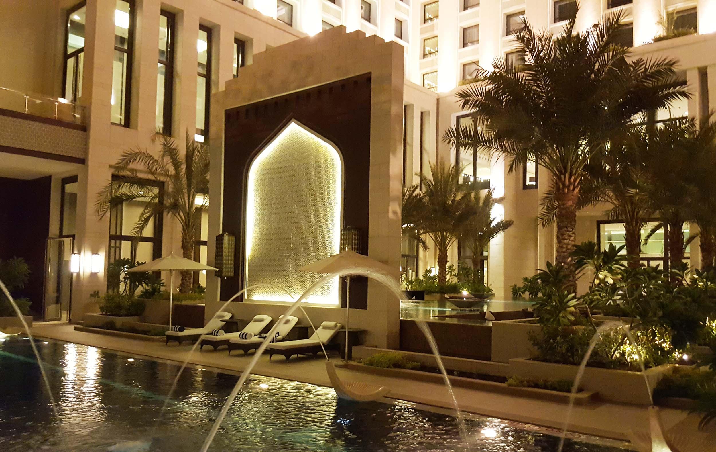 Oman, the Hormuz Grand pool and hotel