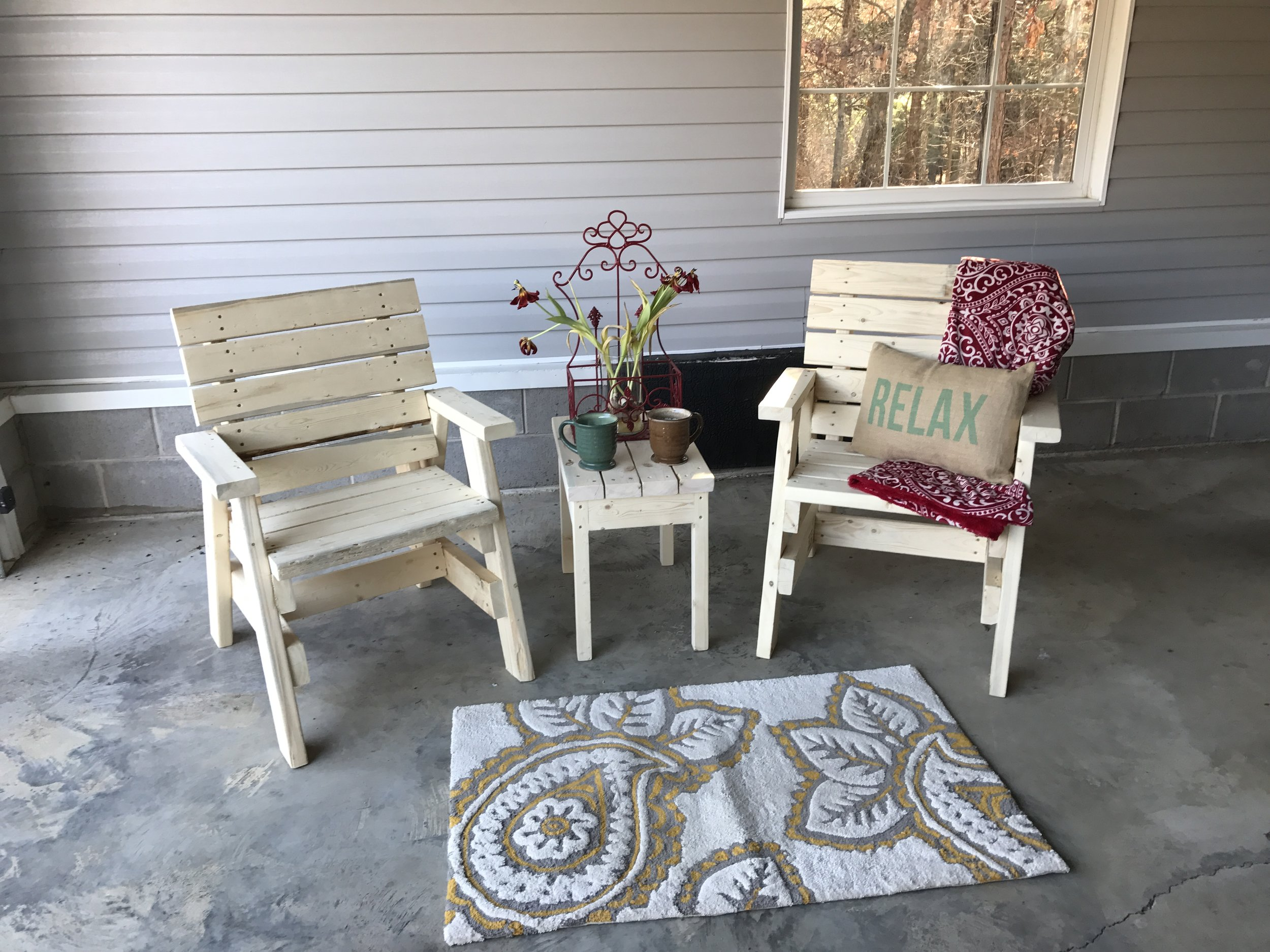 outdoorchair.JPG