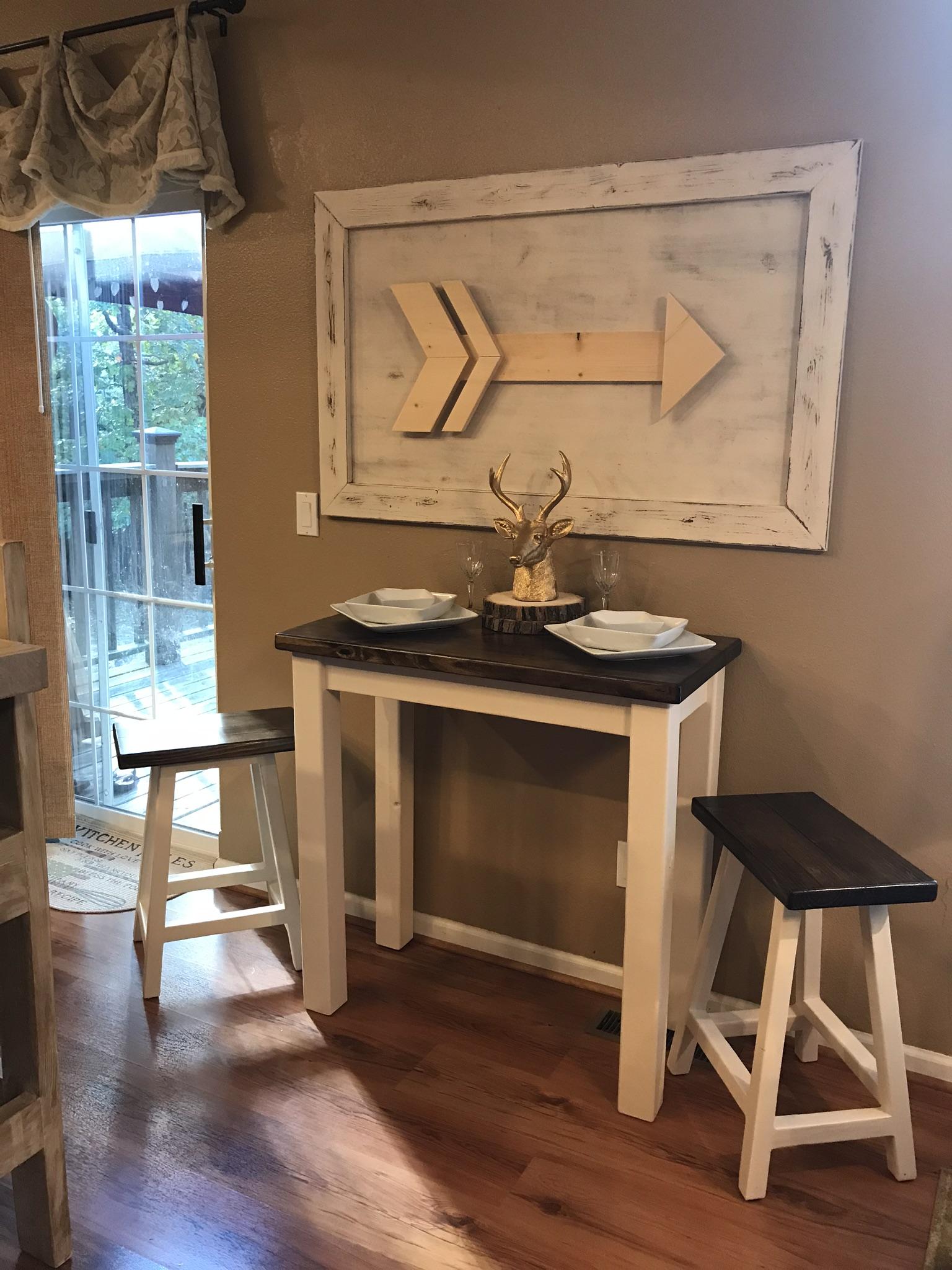 bistro table arrow wall art.jpg