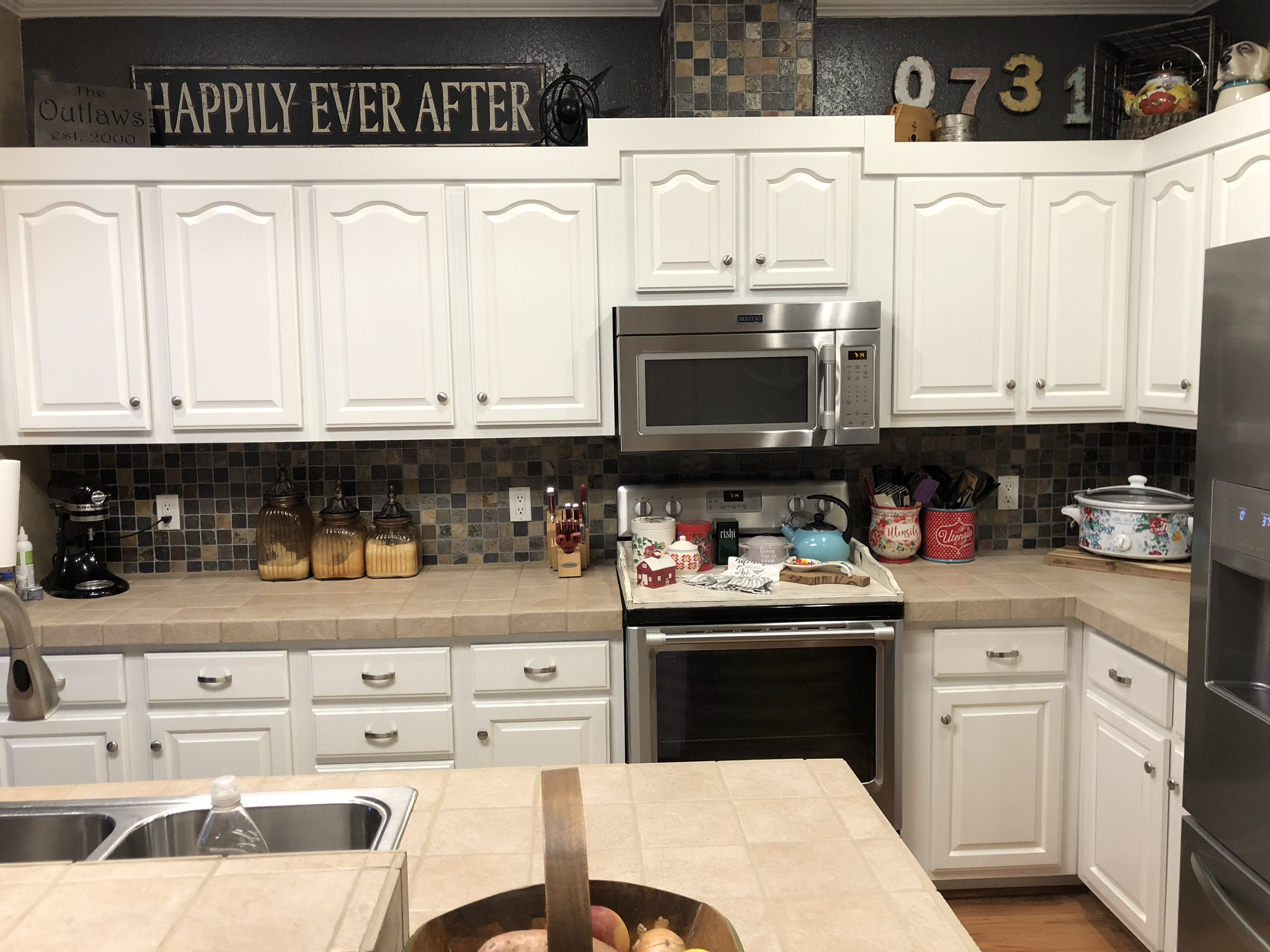 how to paint cabinets (2).jpg