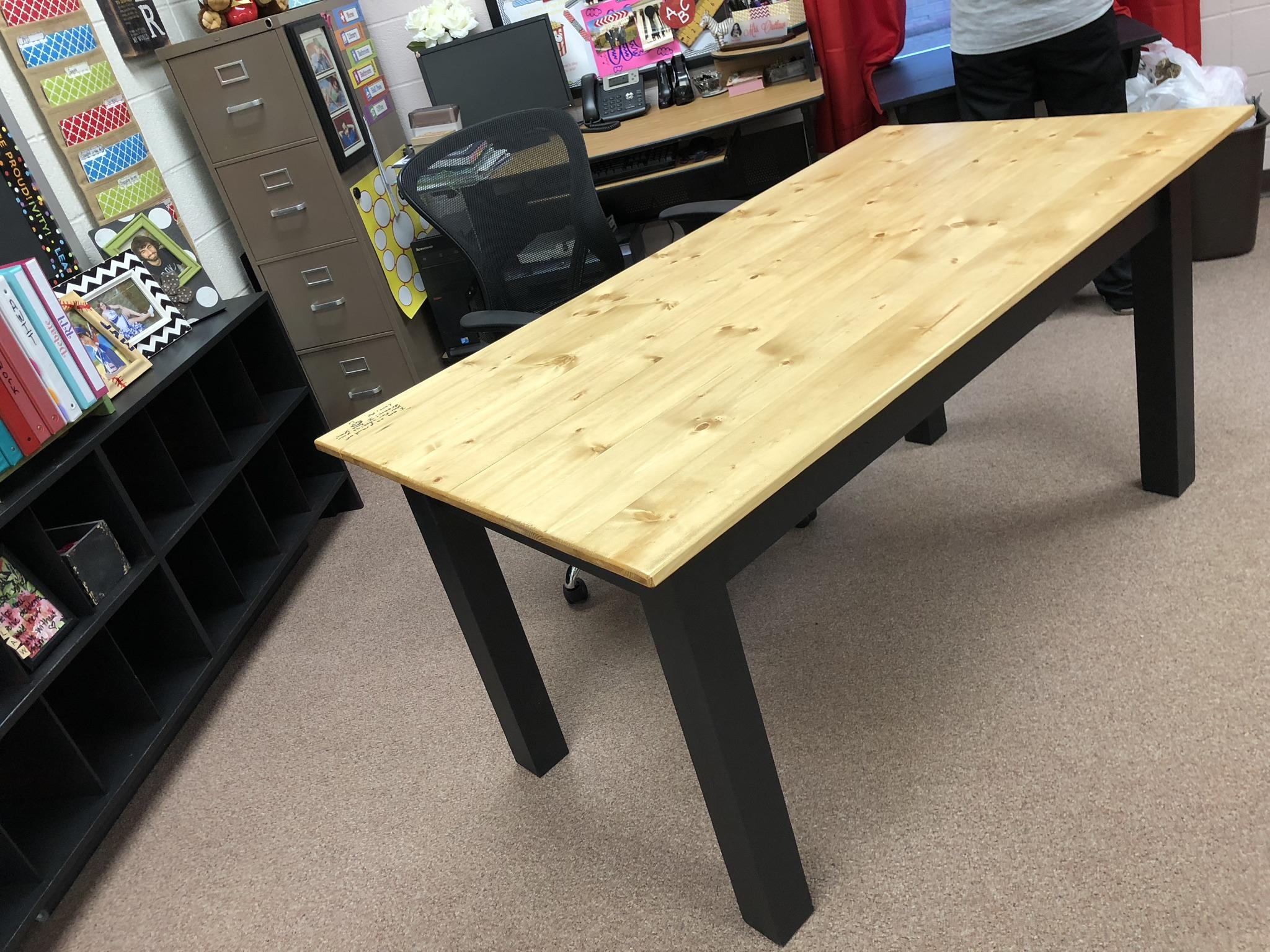 diy desk 2.jpg