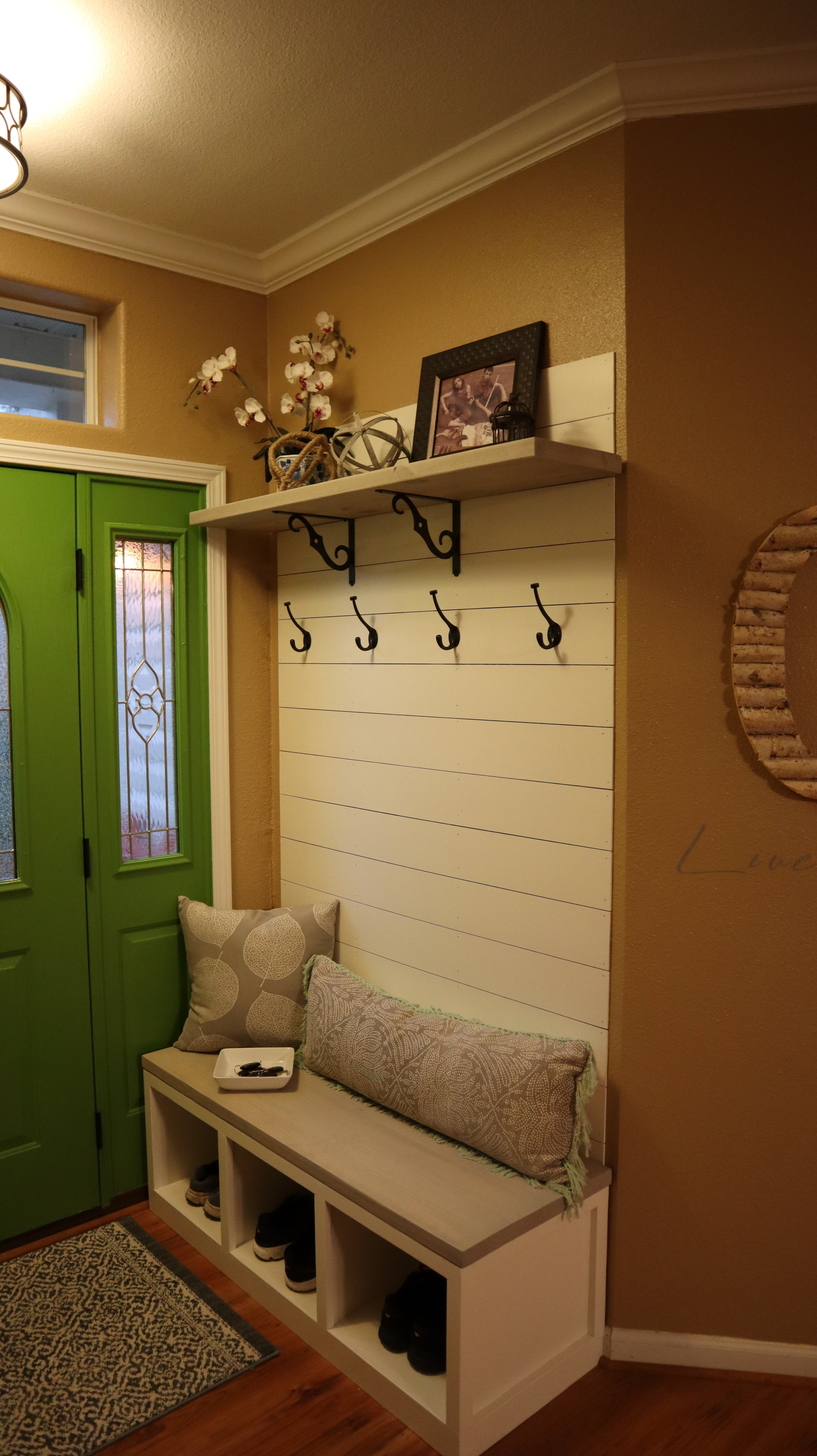 Hall Tree With Storage 731 Woodworks We Build Custom Furniture Diy Guides Monticello Ar