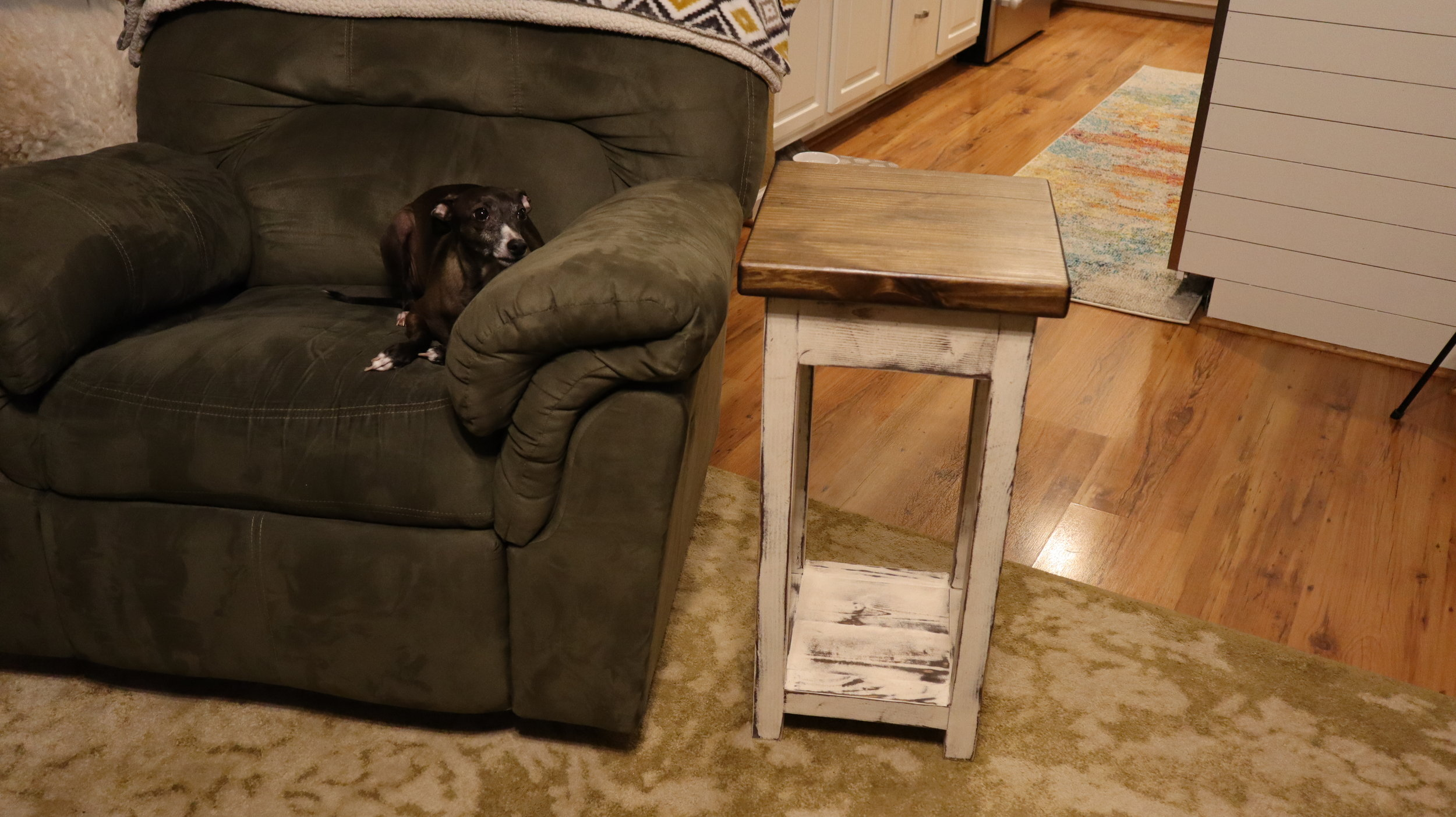 recliner side table.JPG