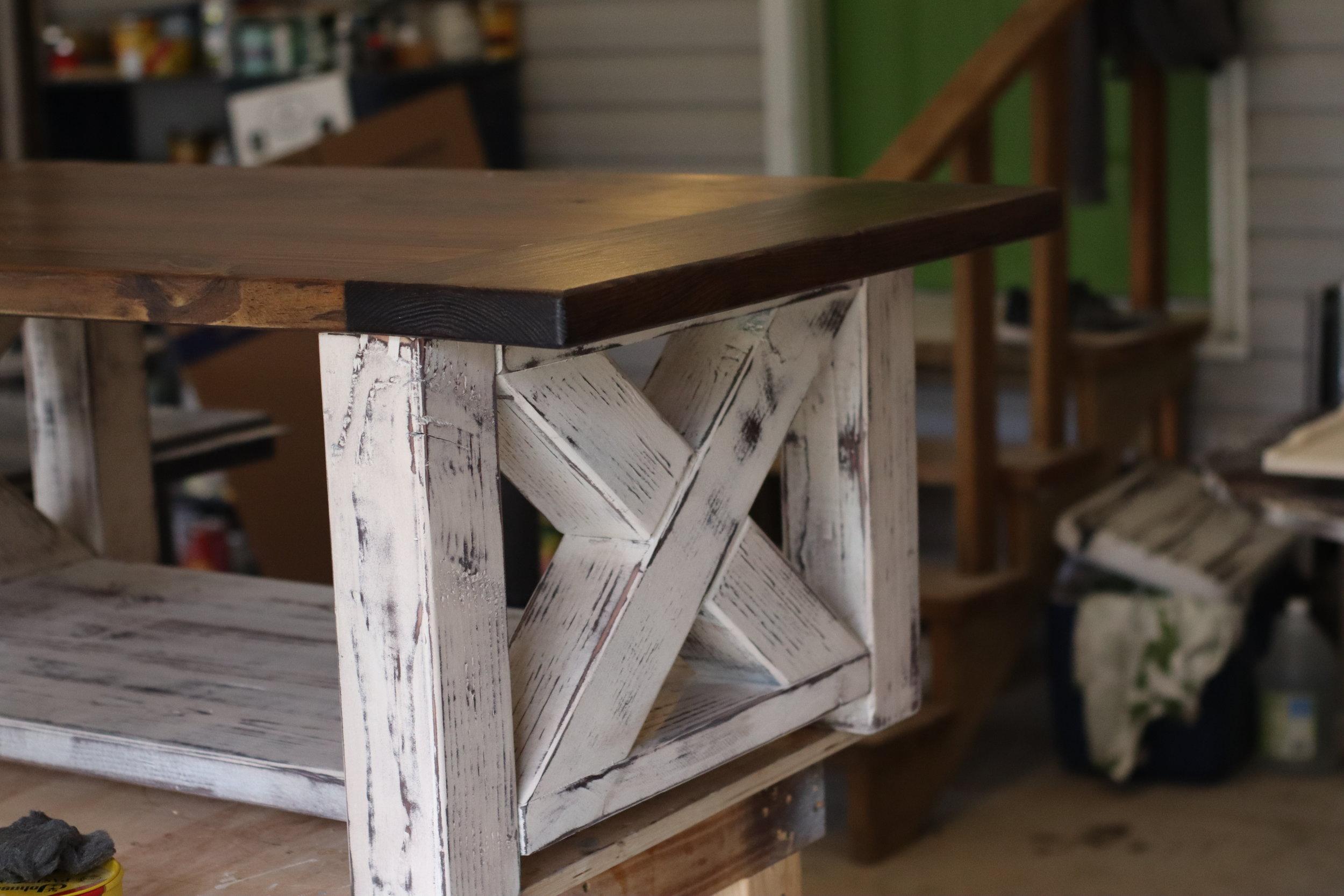 chunky farmhouse coffee table diy.JPG