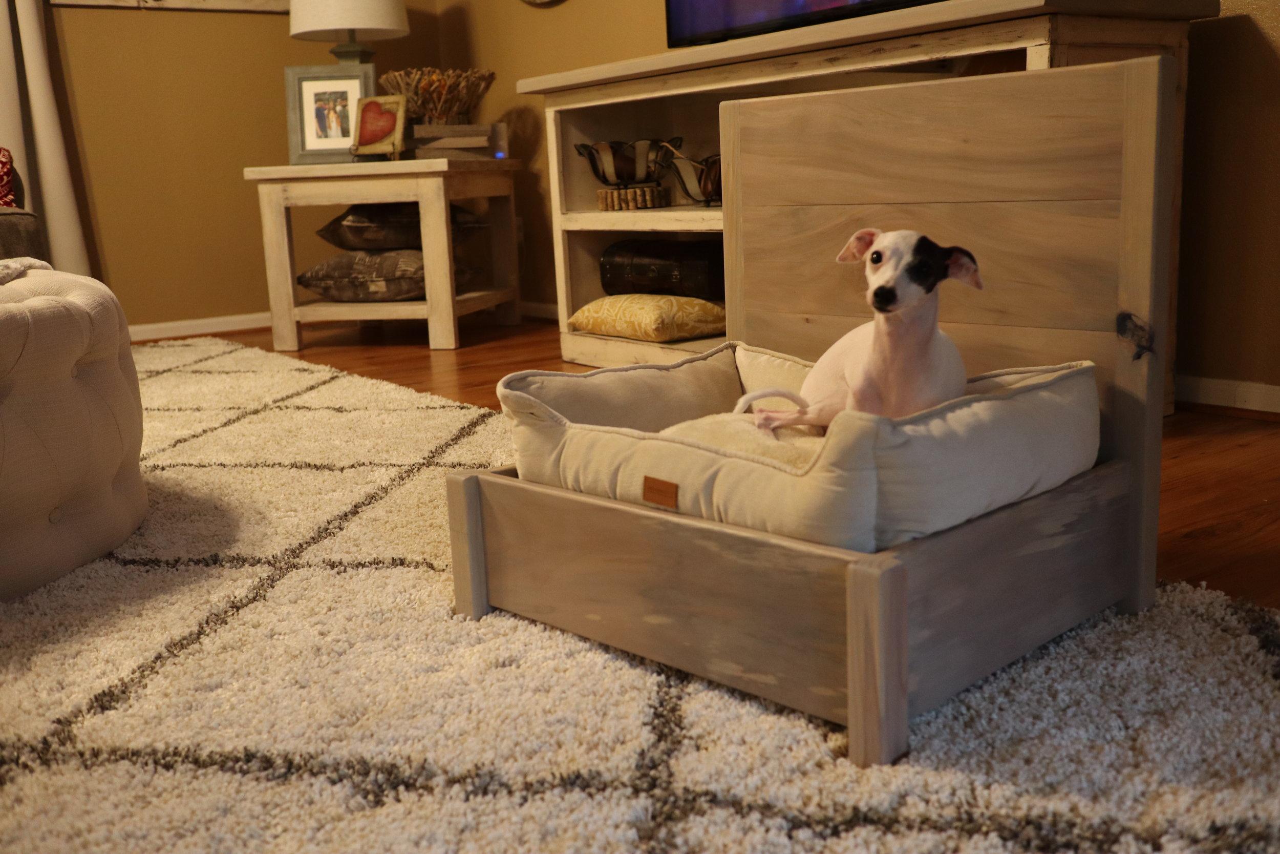 bed frame for dogs.JPG