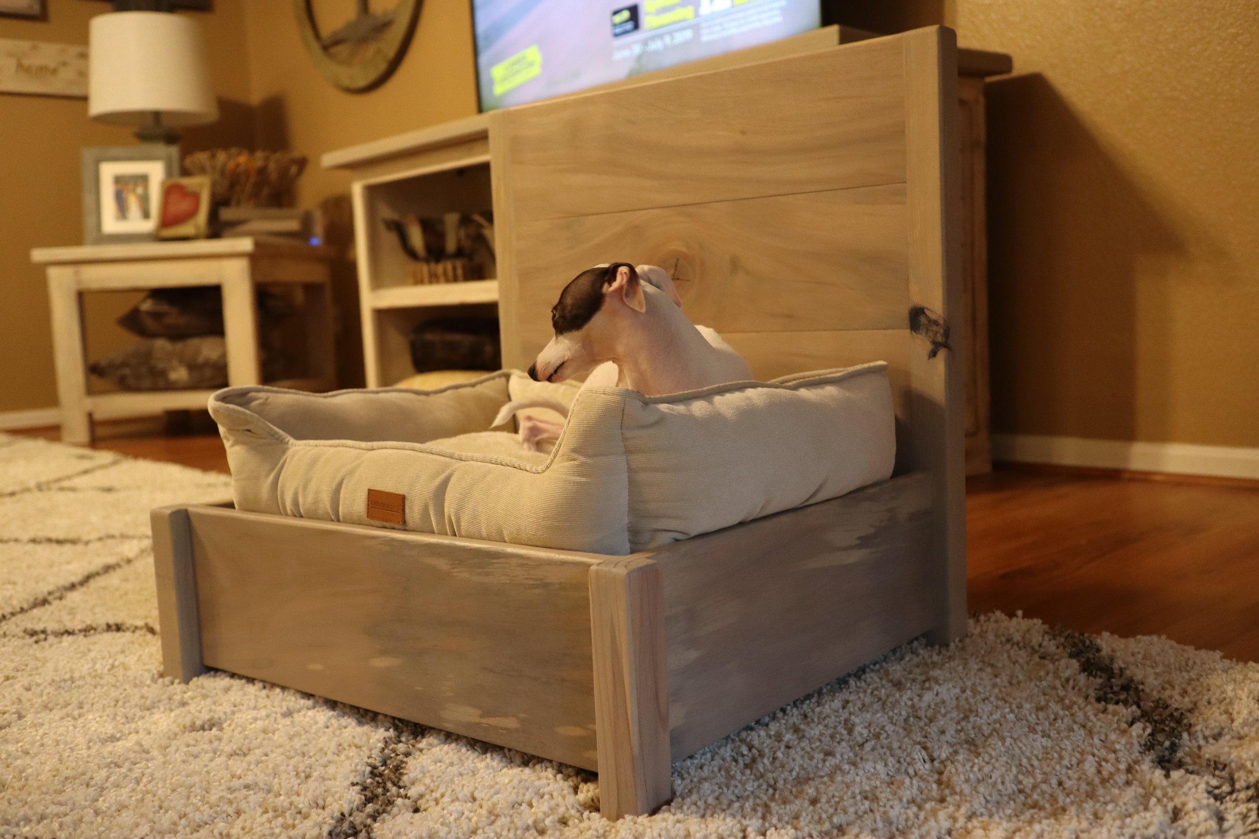 731 Woodworks Dog Bed.JPG
