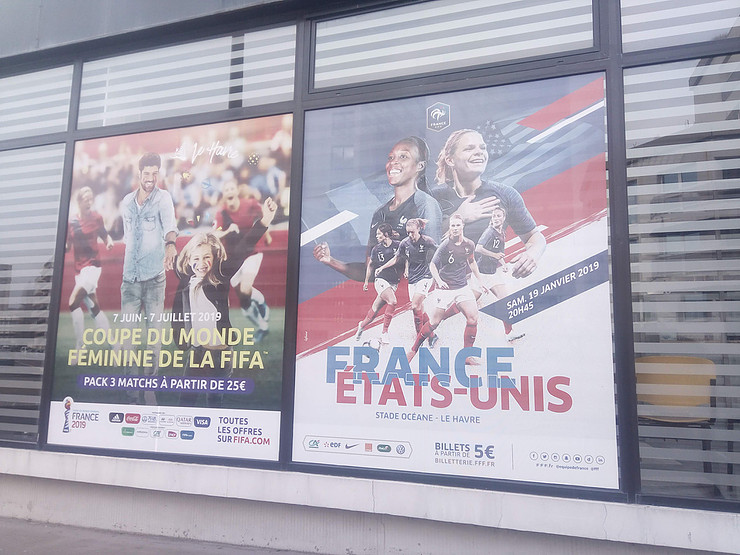 Billboards for the French - USA friendly. Tickets 5 Euros!