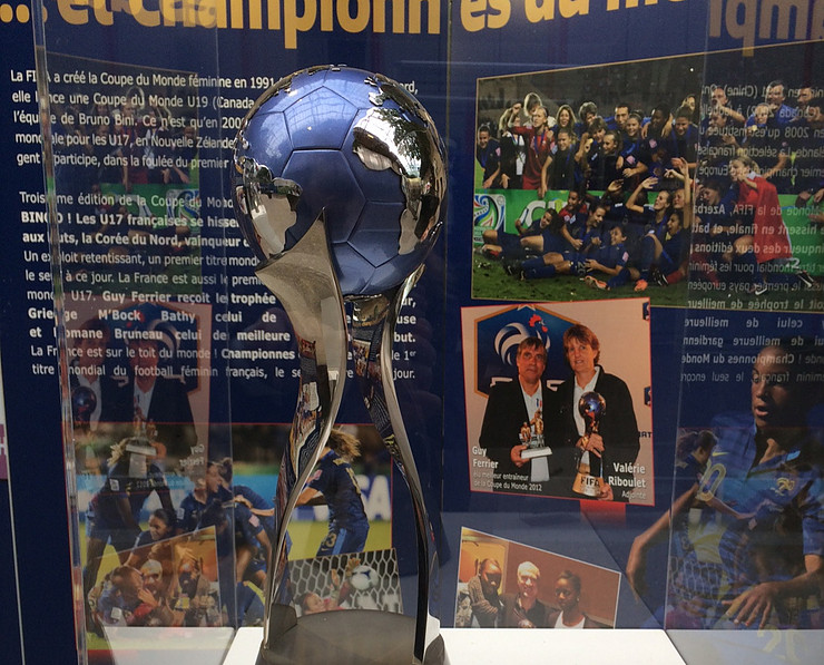 U17 Women's World's Cup trophy on display in Le Havre