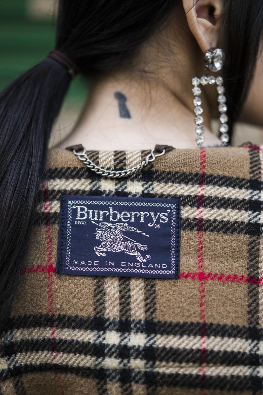 BURBERRY - ELLE USA