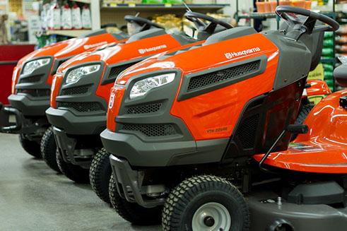 husqavarna-lawn-tractors.jpg