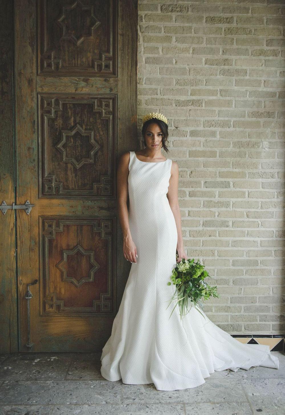 amora_beauty_studio_bridal_woman_wedding_dress.jpg