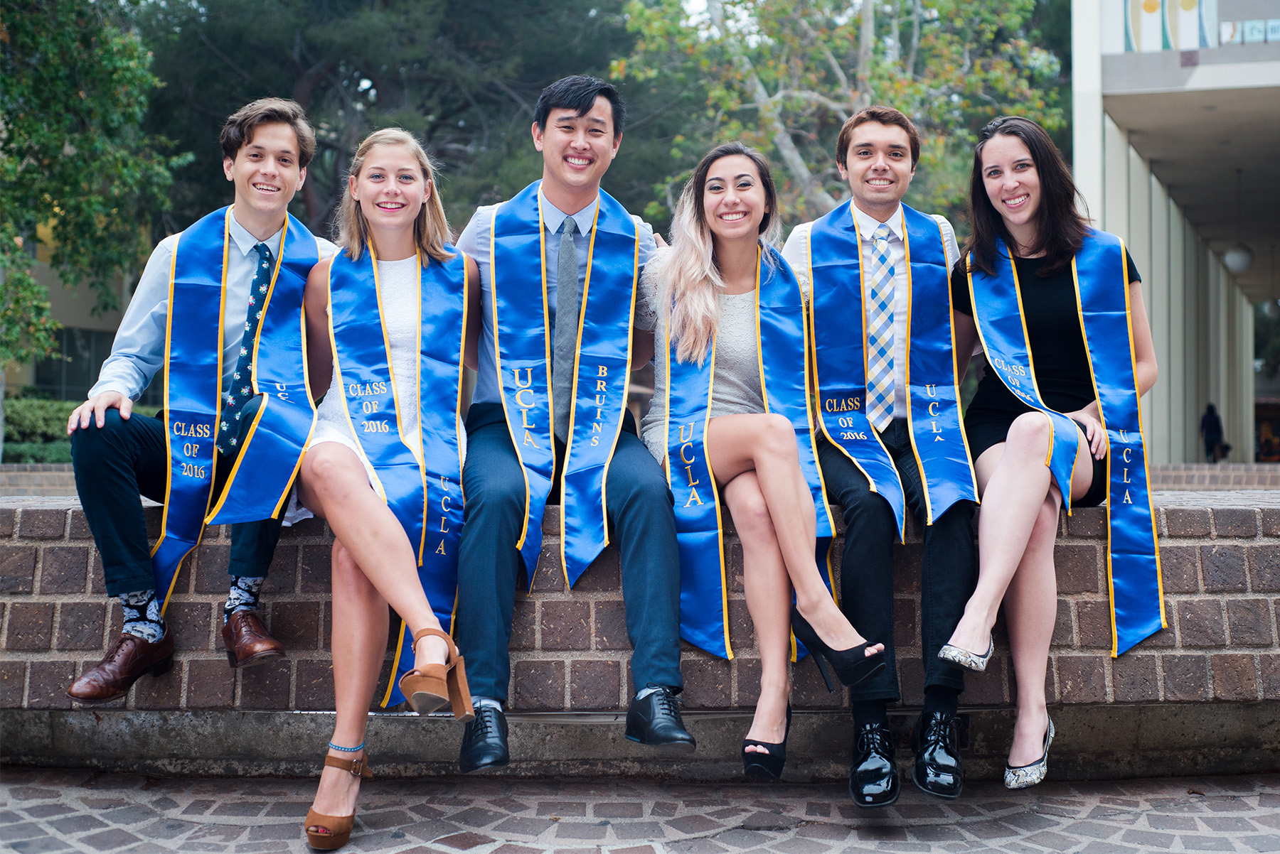 Share the moment - We know from experience that friends play a huge role during school.Share the excitement of graduating with them.