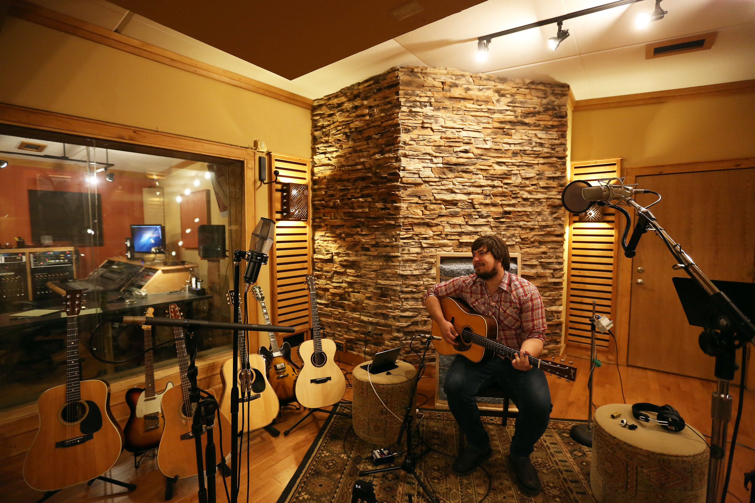 TYPhoto11 Adam Guitars.jpg