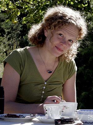 Anna-Fichert-1-300x400-Web.jpg
