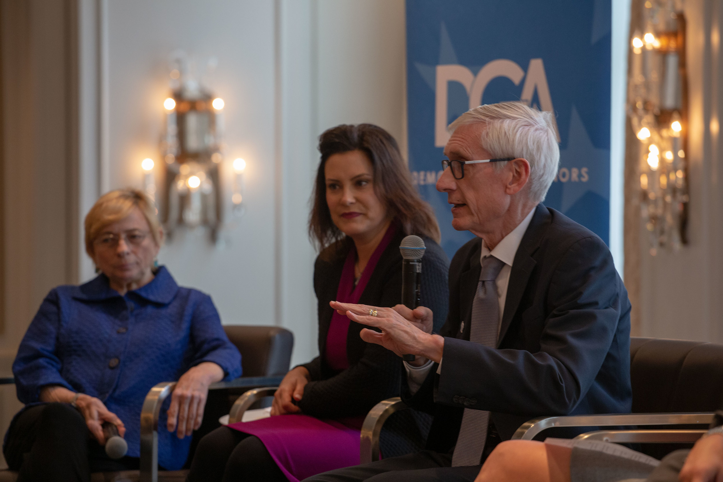 12012018 DGA Annual Meeting_Holiday Party-41.jpg