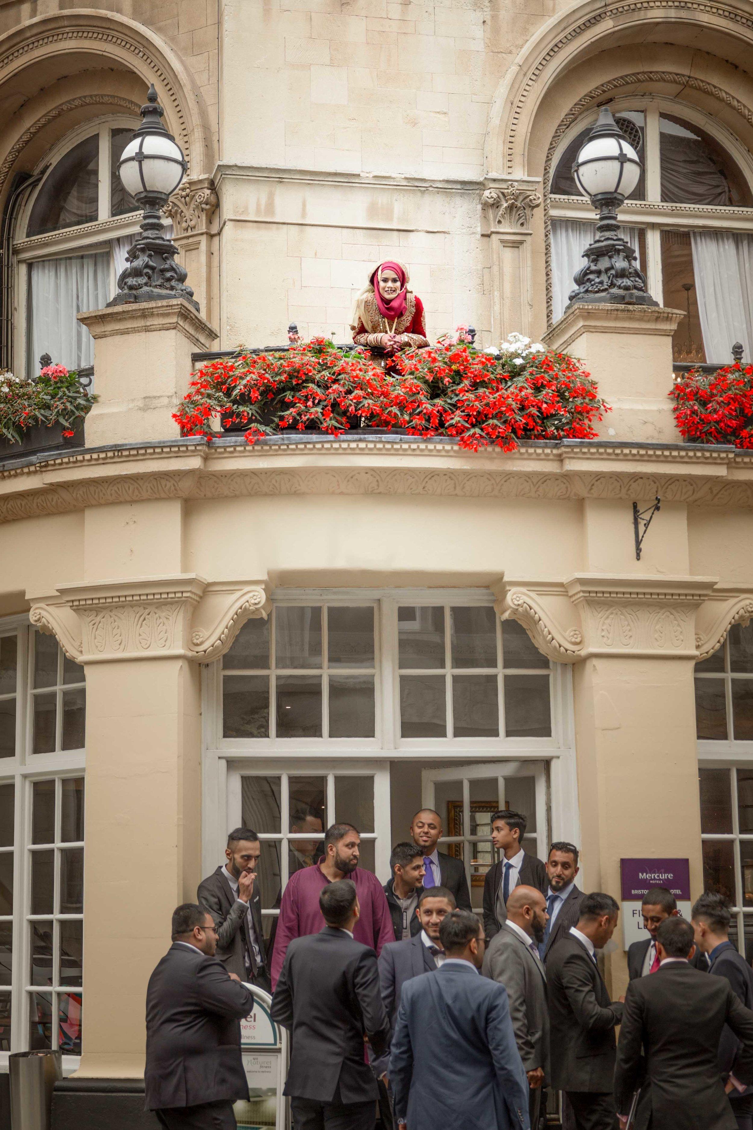 Female-wedding-photographer-bristol-mercure-bristol-grand-hotel-natalia-smith-photography-11.jpg