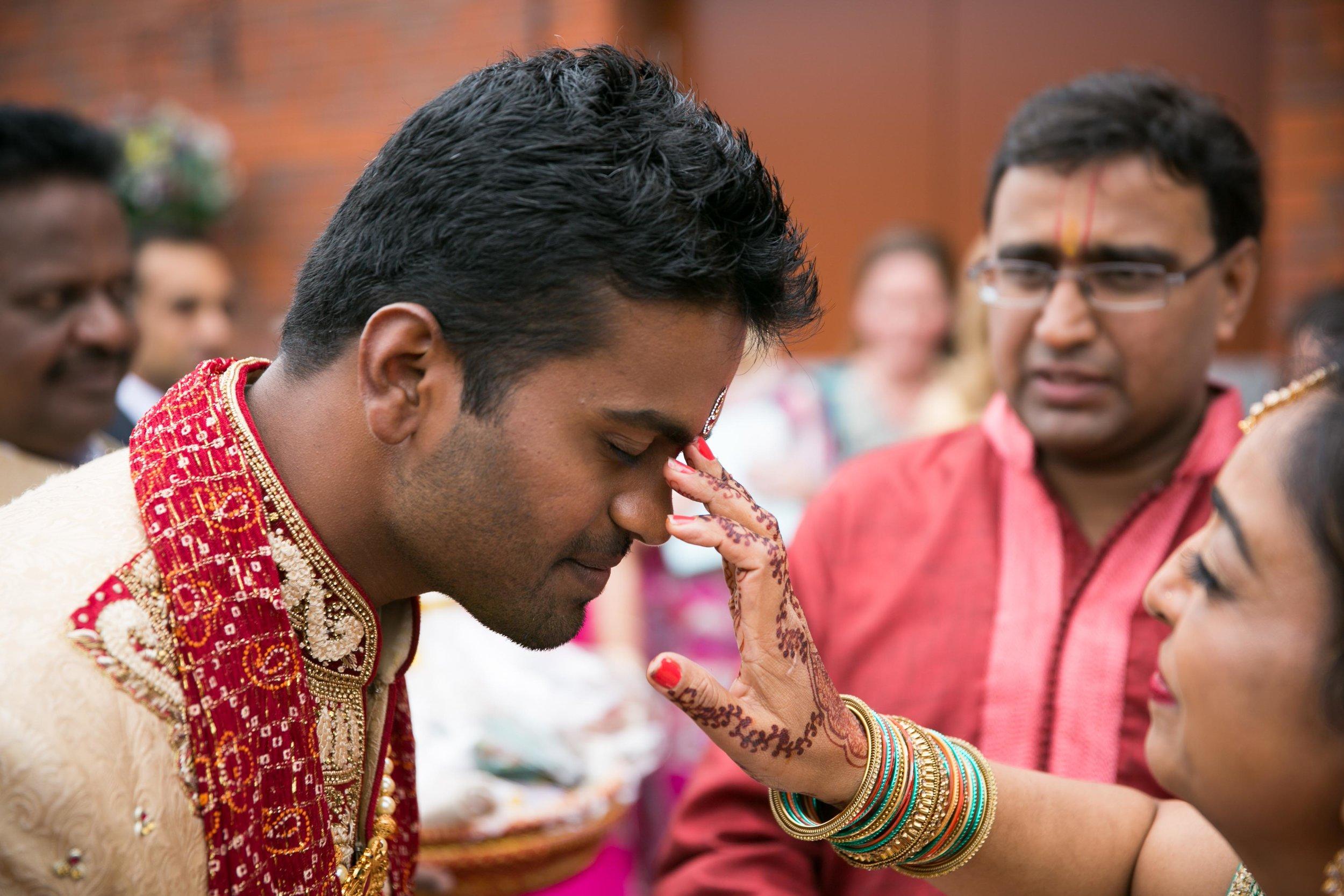 premier-banquetting-london-Hindu-asian-wedding-photographer-natalia-smith-photography-6.jpg