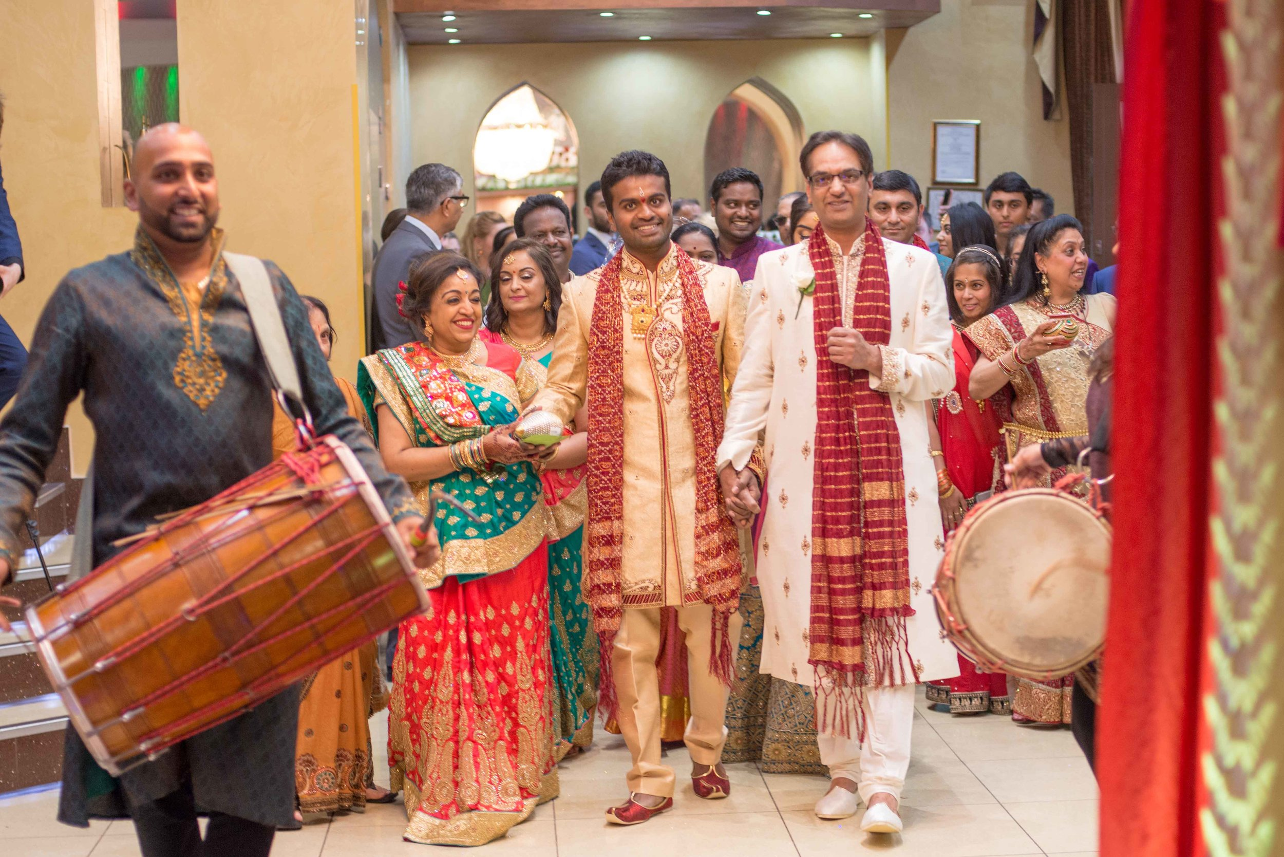 premier-banquetting-london-Hindu-asian-wedding-photographer-natalia-smith-photography-14.jpg