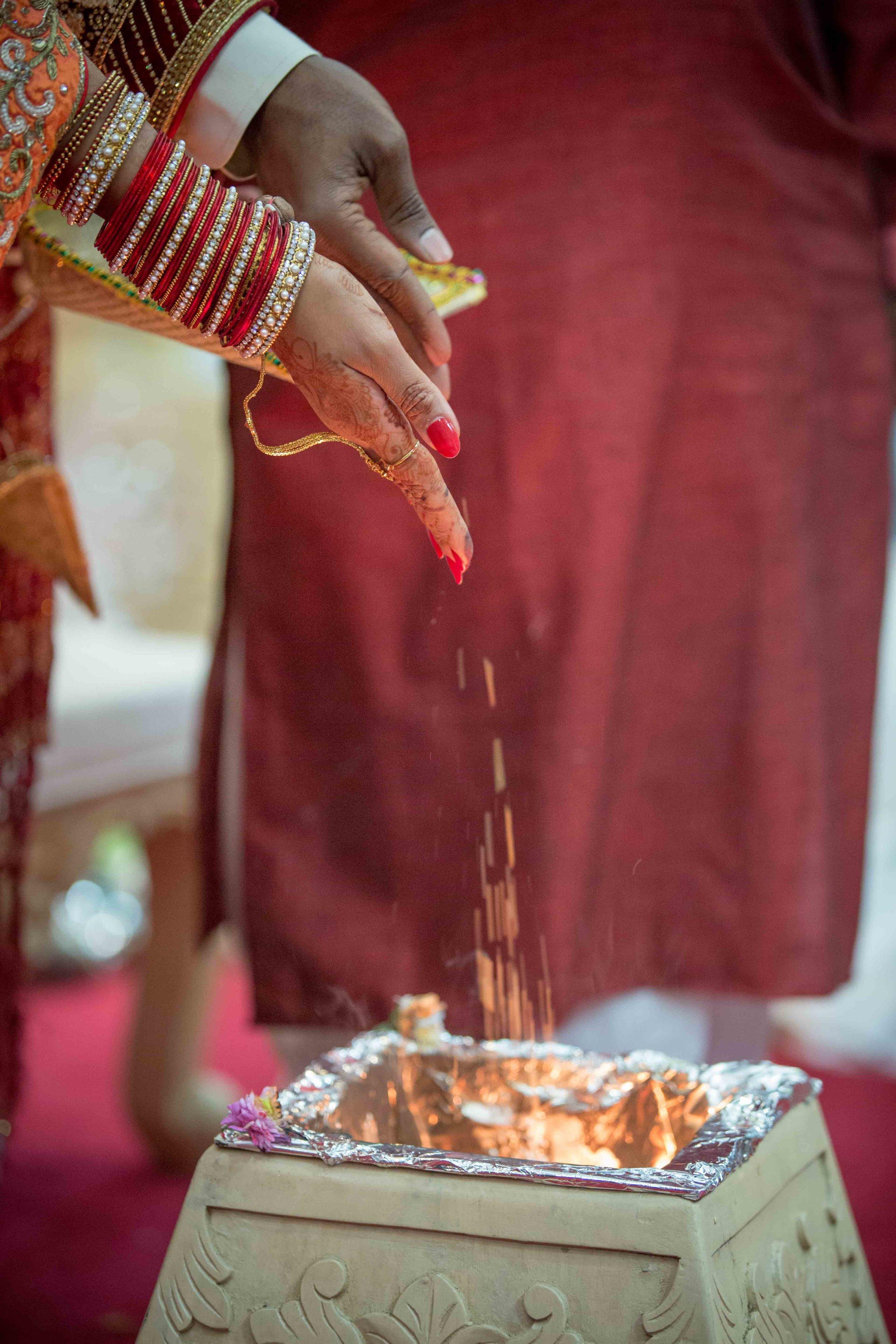 premier-banquetting-london-Hindu-asian-wedding-photographer-natalia-smith-photography-24.jpg